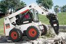 Bobcat nuoma su hidrauliniu kūju: betonas ar asfalto ardymas, griovimas